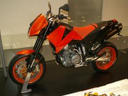 KTM 640 Duke II Black 2005 #7