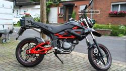 Megelli Super motard