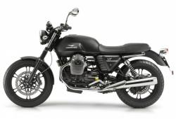 Moto Guzzi V7 Stone, an icon bike in the riding world