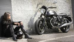 Moto Guzzi V7 Stone, an icon bike in the riding world #10