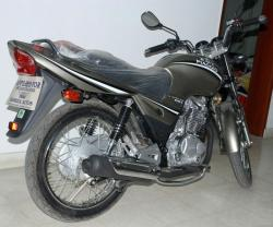 Smart and sporty Ravi Piaggio Storm 125