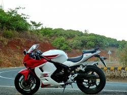 The Korean sports bike Hyosung GT250R