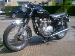 Triumph T 140 E Bonneville Executive