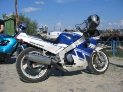 Yamaha FZR 750 Genesis (reduced effect)