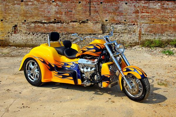 Boss Hoss BHC-9 Coupe 445 Trike