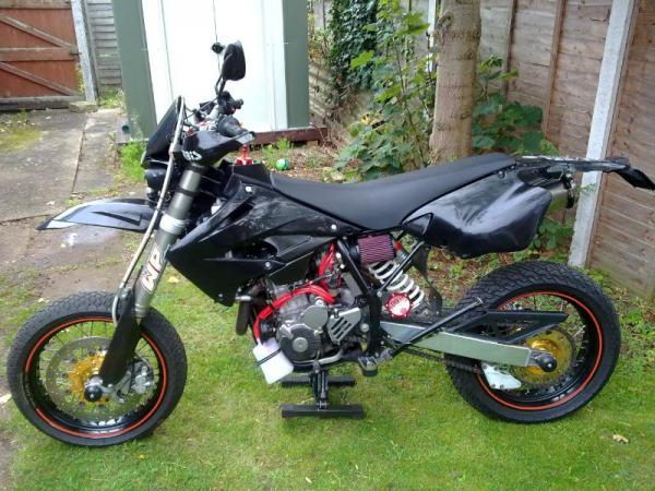 CCM 404 DS Supermoto