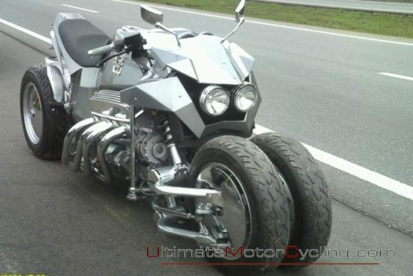 Enjoy the Cosmos Muscle Bikes 2RWF V8, a great muscle bike