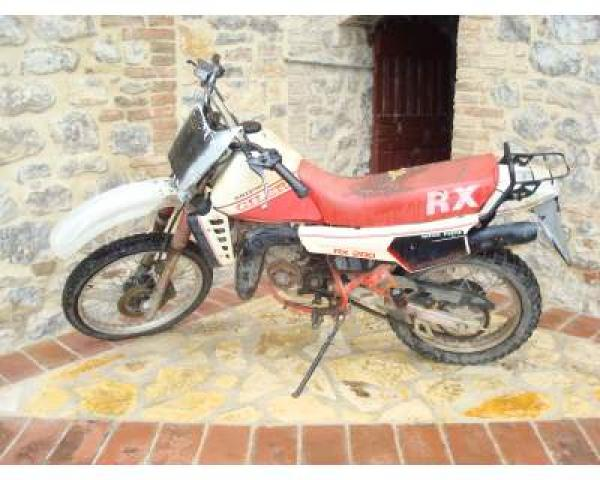 Gilera RX 125 Arizona handles well on the dirt courses