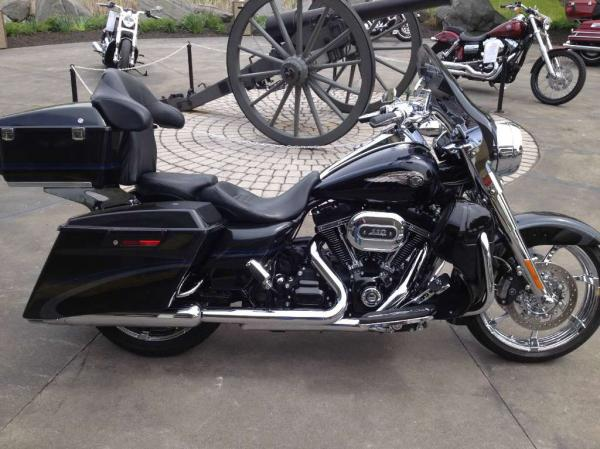 Harley-Davidson CVO Road King 110th Anniversary