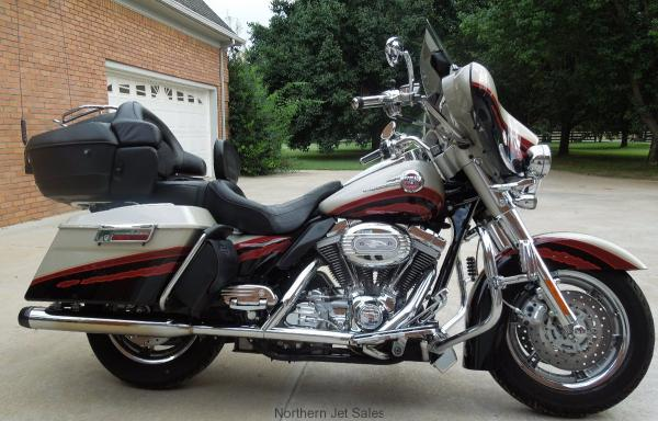 2006 Harley-Davidson FLHTCUSE Screamin Eagle Ultra Classic Electra Glide