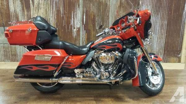 Harley-Davidson FLHTCUSE5 CVO Ultra Classic Electra Glide