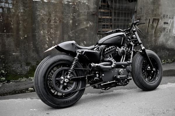 Harley-Davidson Sportster Forty-Eight Dark Custom