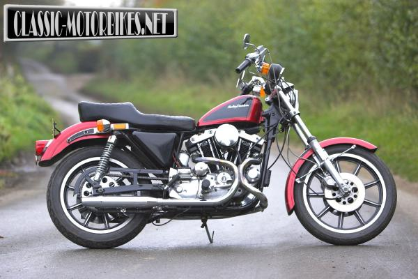 1988 Harley-Davidson XLH Sportster 883 De Luxe (reduced effect)