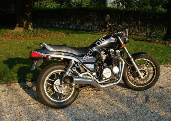 1983 Honda CB650RC (reduced effect)