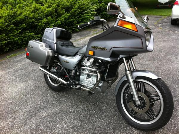 1983 Honda GL500 Silver Wing (reduced effect)