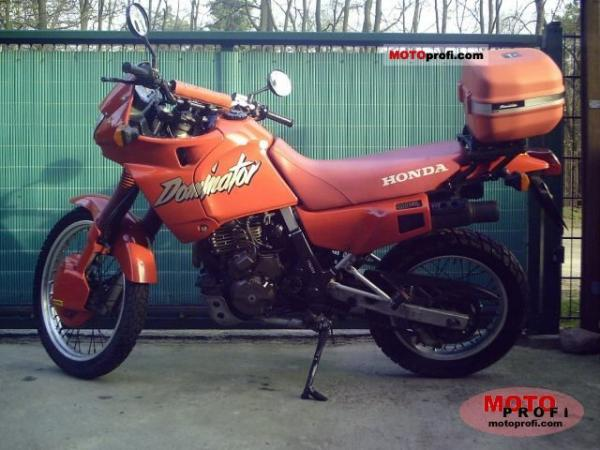 1990 Honda NX650 Dominator (reduced effect)