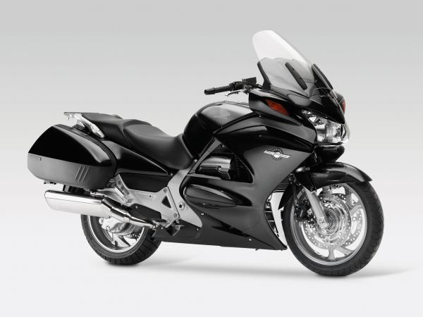 2013 Honda ST1300A Pan-European ABS