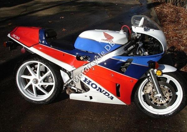 1990 Honda VFR750R / RC30 (reduced effect)