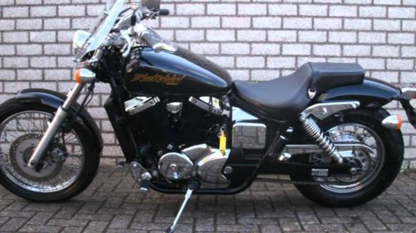 Honda VT 750DC Black Widow