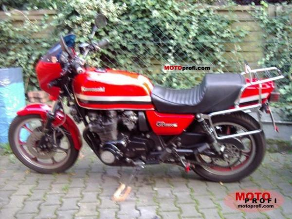1982 Kawasaki GPZ1100 (reduced effect)