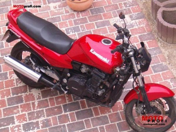 1985 Kawasaki GPZ1100 (reduced effect)