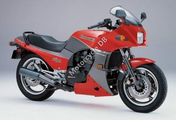 1988 Kawasaki GPZ900R (reduced effect)
