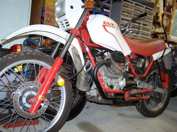 1986 Moto Guzzi V75 (reduced effect)
