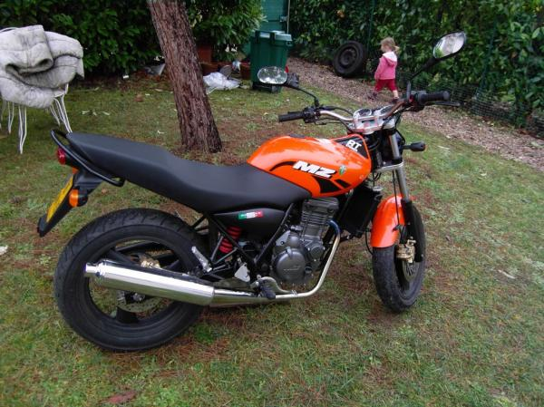 MZ 125-RT Striker