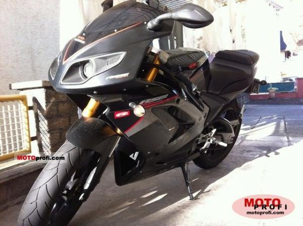 Rieju RS2 Pro 125 Black Edition