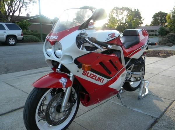 1988 Suzuki GSX-R 750 (reduced effect)