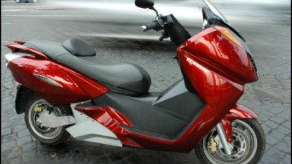 2008 Vectrix Electric Maxi-Scooter
