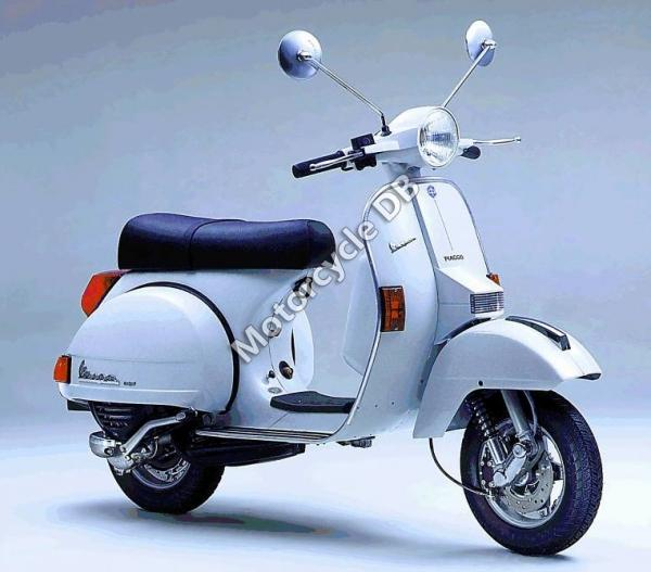 2007 vespa gtv 125 moto zombdrive com. Black Bedroom Furniture Sets. Home Design Ideas