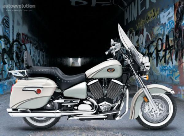 2005 Victory Touring Cruiser