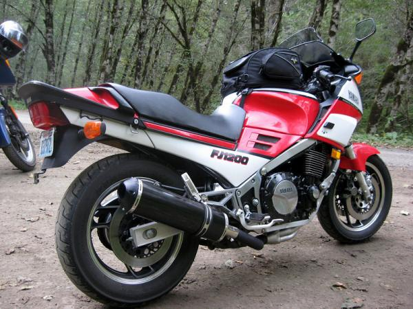 1985 Yamaha FJ 1100 (reduced effect)
