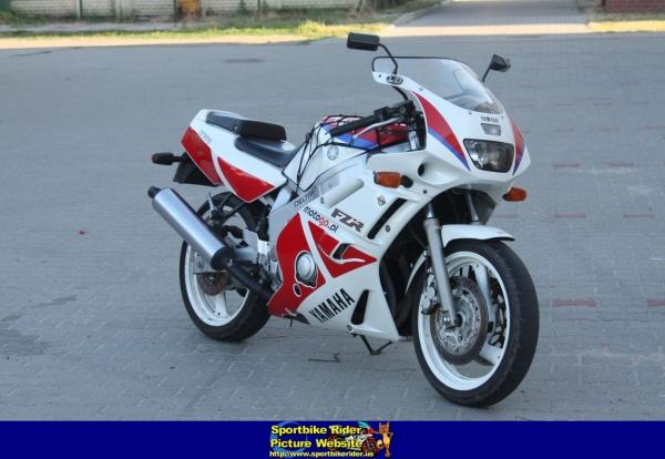Yamaha FZR 600 (reduced effect)