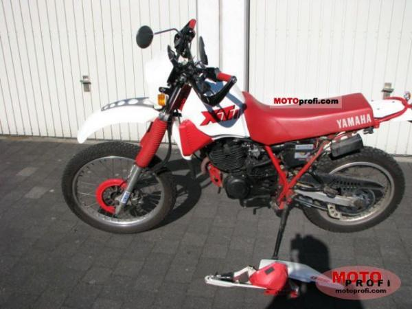 1990 Yamaha RD 350 N (reduced effect)