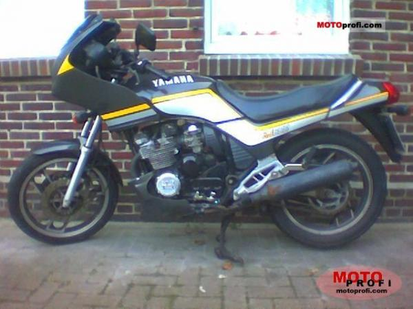 1987 Yamaha XJ 600 (reduced effect)