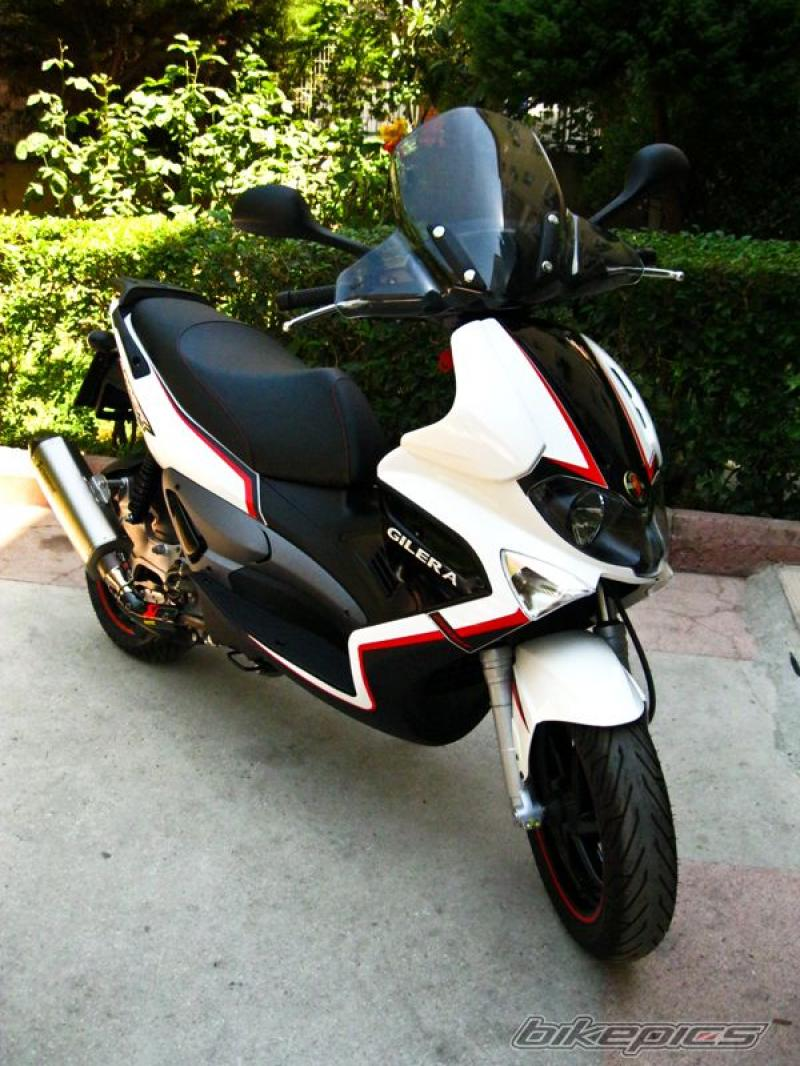 2011 gilera runner st 200 moto zombdrive com. Black Bedroom Furniture Sets. Home Design Ideas